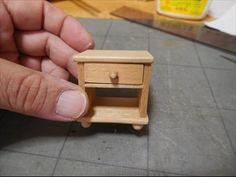 ベッドサイドに置く家具としてよく目にする、ナイトテーブルを作ってみました。ブログで紹介しています。http://dollhouse.blogoo.ne.jp/e3104594.html
