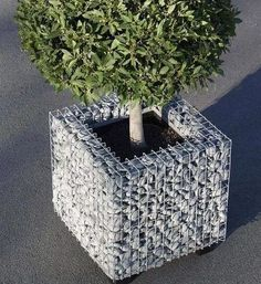 Have you ever wondered how you can incorporate a gabion into your interior? We… Außenbereich 20 Fabulous Gabion Ideas for Your Outdoor Area River Rock Patio, River Rock Landscaping, Landscaping With Rocks, Landscaping Ideas, Gabion Stone, Gabion Retaining Wall, Gabion Wall Design, Fence Design, Gabion Cages
