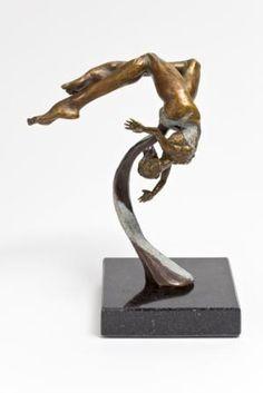 Francine Laurin, Equilibre no.6  2010, Bronze
