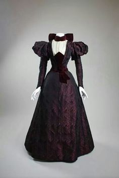 Late 1890s dress, San Diego Historical Society.