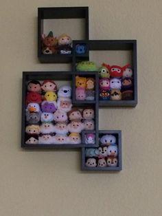 Disney Tsum Tsum display using shelf from Target Casa Disney, Disney Diy, Disney Crafts, Disney Love, Disney Magic, Disney Stuff, Tsum Tsum Party, Disney Tsum Tsum, Deco Disney