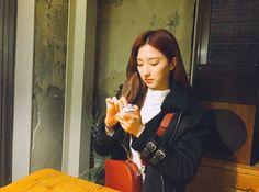 Yuehua Entertainment, Starship Entertainment, South Korean Girls, Korean Girl Groups, Xuan Yi, Cheng Xiao, Cosmic Girls, Kpop Outfits, Aesthetic Photo