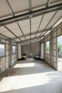 Prefab Tiny House with Steel Lattice Structure, Assembles in 3 Hours Steel Frame House, Steel House, Metal Building Homes, Building A House, Roof Design, House Design, Low Cost Housing, Casas Containers, Tiny House Cabin