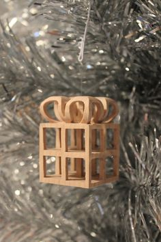 Scroll saw pattern Christmas Ornament: Present by ClaytonsPatterns