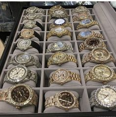 In honour of that which we'll never be able to afford I'm listing off the most expensive watches in the world.