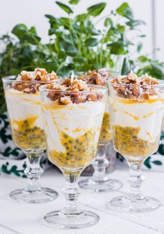 Passionfruit trifle with lemon and vanilla mascarpone and chewy nuts Best Dessert Recipes, Wine Recipes, Delicious Deserts, Yummy Food, Food Porn, Kolaci I Torte, Swedish Recipes, Cookie Desserts, Food Inspiration