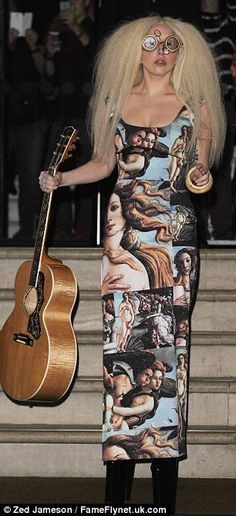 Lady Gaga accessorizes her Botticelli dress with with steampunk goggles #steampunk #ladygaga