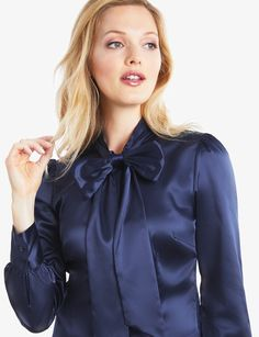 50707b12c403ca Satin pussy bow blouse Blouse Sexy, Blouse And Skirt, Blouse Outfit, Bow  Blouse