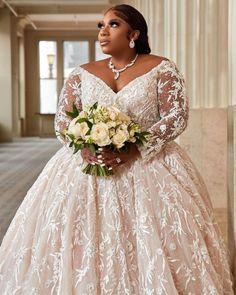 Plus Size Wedding Gowns, Plus Size Gowns, Best Wedding Dresses, Wedding Pics, Wedding Attire, Wedding Things, Wedding Bells, Wedding Cakes, Dream Wedding
