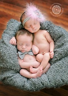 Tishy Photography {Newborn Twins} | Flickr Just adorable!