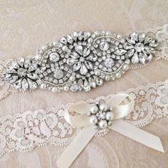 20 Delicate Bridal Garters | SouthBound Bride