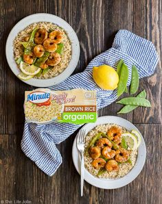 10 Most Misleading Foods That We Imagined Were Being Nutritious! The Next Time You Want Lunch In A Snap, But Want To Keep It Wholesome, Turn To This Spicy Honey And Garlic Shrimp Stir Fry Atop Brown Rice For A Quick, Easy And Delicious Meal. Entree Recipes, Fish Recipes, Easy Dinner Recipes, Seafood Recipes, Healthy Recipes, Sweet And Spicy Shrimp, Spicy Honey, Pasta Dishes, Food Dishes
