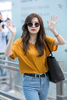 girl group looks ( Korean Fashion Trends, Kpop Fashion, Girl Fashion, Fashion Outfits, Red Velvet Seulgi, Red Velvet Irene, Black Velvet, Kpop Outfits, Casual Outfits