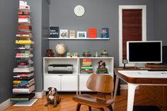 クール垂直本棚と白の壁ストレージ付きアパート、おかしいワンルームデザイン:クリエイティブデザインスタジオアパートの18ピクチャー