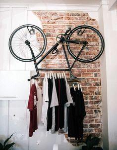 une penderie surprenante. détournement d'objet - #old bike - repurposed