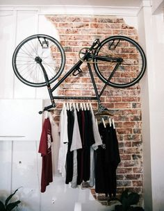 une penderie surprenante. détournement d'objet - #old bike - repurposed