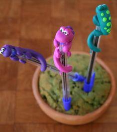 Bolígrafo con lagarto, fimo - artesanum com