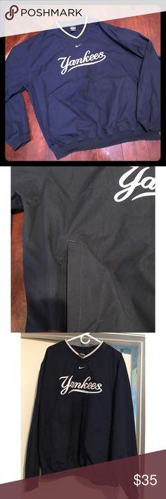 Men's Nike NY Yankees Wind Breaker (New) Navy blue men's Nike water resistant Yankees wind-breaker . Front pockets Men's XL long sleeves Sweaters