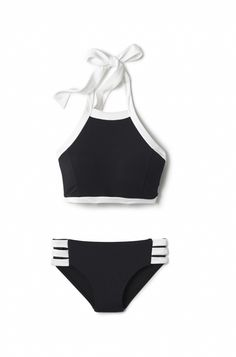 How+to+Make+YOUR+Body+Look+Its+Best+in+a+Swimsuit+via+@WhoWhatWear