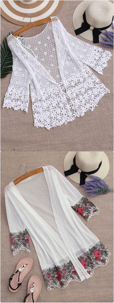 Discover thousands of images about Shop White Tassel Trimmed Chiffon Kimono online. SheIn offers White Tassel Trimmed Chiffon Kimono & more to fit your fashionable needs. Blouse Kimono, Motif Kimono, Kimono Style Dress, Chiffon Kimono, Kimono Pattern, Kimono Fabric, Kimono Fashion, Chiffon Tops, Floral Kimono