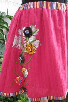 Detalle de la misma falda / Detail from the same skirt.