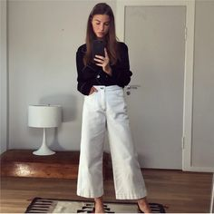 flared jeans with silky shirt (Roe Diary) Mode Outfits, Casual Outfits, Fashion Outfits, Womens Fashion, Look Fashion, Daily Fashion, Winter Fashion, Street Fashion, Looks Style