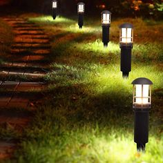 Find the Perfect Landscape Lighting Design for Your Backyard Mason Jar Light Fixture, Mason Jar Lighting, Light Fixtures, Solar Light Crafts, Diy Solar, Solar Lanterns, Solar Lights, Solar Lamp, Led Path Lights
