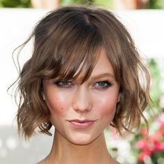 Behold: Victoria's Secret Model Karlie Kloss Can Make Even Colorful Eye Makeup Look Sexy, Sexy, Sexy