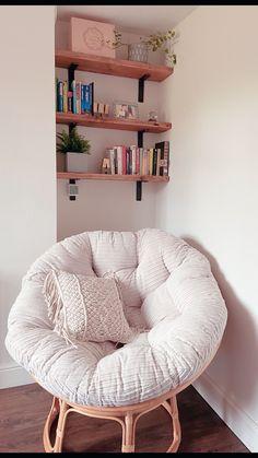 Book Corner Ideas Bedroom, Bedroom Corner, Room Ideas Bedroom, Bedroom Decor, Cosy Reading Corner, Bedroom Reading Nooks, Cosy Corner, Cosy Room, My New Room
