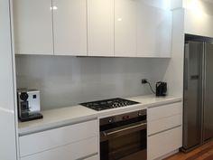 New Kitchen Tiles Splashback Back Splashes Ideas Glass Kitchen, New Kitchen, Kitchen Reno, Kitchen Board, Cheap Kitchen, Kitchen Stuff, Country Kitchen, Kitchen Cabinets, Kitchen Splashback Tiles