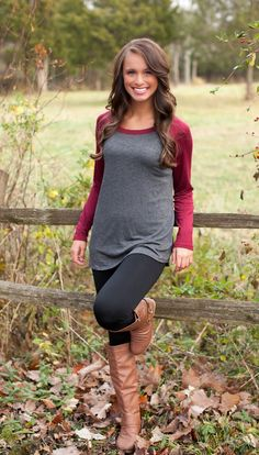The Pink Lily Boutique - Burgundy and Grey Baseball Tee Fall Winter Outfits, Autumn Winter Fashion, Pink Lily Boutique, Winter Stil, Fashion Outfits, Womens Fashion, Dress To Impress, Style Me, Baseball