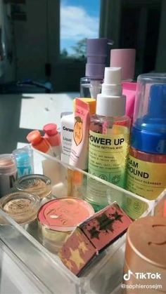 Makeup Hacks Videos, Face Care Routine, Care Organization, Night Routine, Aesthetic Videos, Aesthetic Makeup, Lip Care, Asmr, Things To Buy
