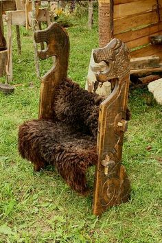 bench of viking. Festival of experimental archaelogy. Lithuania Wooden bench of viking. Festival of experimental archaelogy. LithuaniaWooden bench of viking. Festival of experimental archaelogy. Awesome Woodworking Ideas, Woodworking For Kids, Woodworking Workshop, Woodworking Furniture, Woodworking Crafts, Woodworking Classes, Viking Tent, Viking Camp, Viking Life