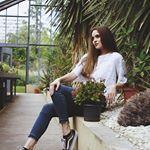 Modell:@babszii Makeup:@deak.becca #portrait #portraitphotography #artofhungary #photography #photoshoot #botanicgarden #palm #summer