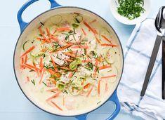 Om en halvtime kan du ha fiskesuppa klar | EXTRA Pulled Pork, Thai Red Curry, Food And Drink, Fish, Dinner, Ethnic Recipes, Om, Shredded Pork, Dining