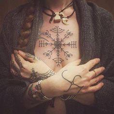 tattoos for women, dark grey cardigan, symmetrical tattoo with arrows, braided brown hair Heidnisches Tattoo, Tattoo Dotwork, Pagan Tattoo, Handpoked Tattoo, Norse Tattoo, Viking Tattoos, Thai Tattoo, Tattoo Forearm, Tattoo Symbols