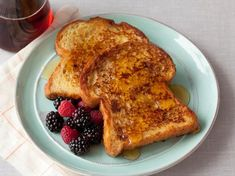 To make the best French toast, Alton Brown uses day-old bread and honey instead of sugar in this recipe from Good Eats on Food Network. Top Recipes, Brunch Recipes, Baking Recipes, Breakfast Recipes, Disney Recipes, Sweet Breakfast, Disney Food, Brunch Ideas, Salmon Recipes