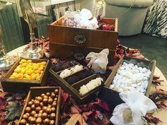 Autumn vibes 🍂🍁🍃 New window  #destinationwedding #destinationweddingplanner #elenarenzi #myjob #mypassion #elegance #refinement #bride #groom #happiness #love #atmosphere #👰 #autumn #lakecomoweddingselenarenzi #lakecomo #italy #cernobbio #topdestinationsinitaly #luxury