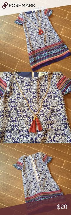Like new dress with attached necklace Such an adorable dress on! Zipper halfway down the back with an attached necklace. Tween Diva Dresses Casual