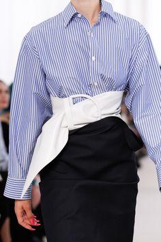 Balenciaga Spring 2017 Ready-to-Wear Accessories Photos - Vogue                                                                                                                                                                                 More