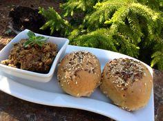 Paštika z neloupané červené čočky Muffin, Breakfast, Food, Morning Coffee, Essen, Muffins, Meals, Cupcakes, Yemek