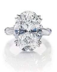 Beautiful diamond available at Aruba Gold Jewelers!