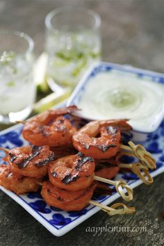 Tandoori Prawn -- Tandoori prawns are definitely one of my favourites. And they cook pretty fast too. And overnight marination is always recommended for tandoori, but for seafood a few hours works just fine. A good green chutney (corriander +mint), onion rings and yogurt is always a must with tandoori. #shrimp