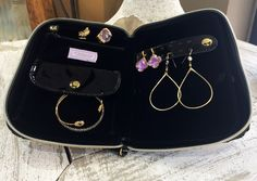 Stephanie Johnson bags/Sarah Carolyn - travel with jewelry in style and easy with the 'Julianna' #jewelrycase #jewelrystorage