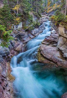 Maligne River Jasper, Alberta