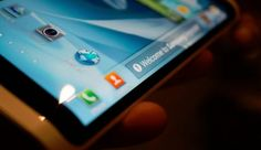 Samsung pregateste noi telefoane Galaxy cu ecran curbat