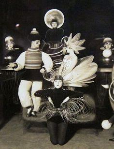 Oskar Schlemmer - Das Triadisches Ballett (The Triadic Ballet) 1922