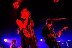 「Welcome![Alexandros]LIVE」なんばHatch公演での[Alexandros]とMasato(coldrain)によるセッションの様子。(Photo by KAZUKI WATANABE) Concert, Music, Live, Musica, Musik, Concerts, Muziek, Music Activities, Songs