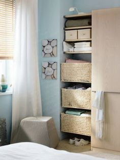 Decent Small Bedroom Decorating Ideas for a Comfortable Bedroom Design: Interesting Small Space Bedroom Storage Solutions… Small Bedroom Storage, Small Space Bedroom, Small Room Design, Bed Storage, Small Rooms, Small Spaces, Small Storage, Bedding Storage, Linen Storage