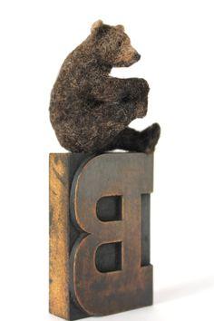 Yoga Bear by UK Artis Dinny Pocok. Her bears... They breathe.